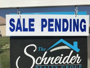 Sale pending sign